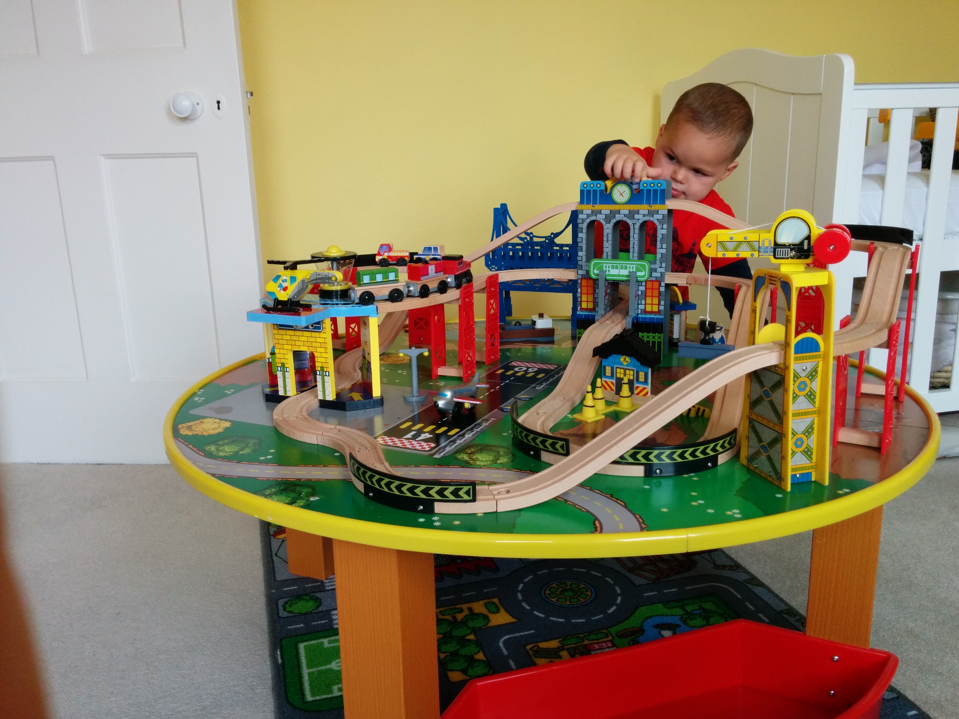 KidKraft City Explorer's 90 Piece Train Set and Table | | Loved by Parents - Parenting News, Pregnancy Advice, News, Reviews and Competitions