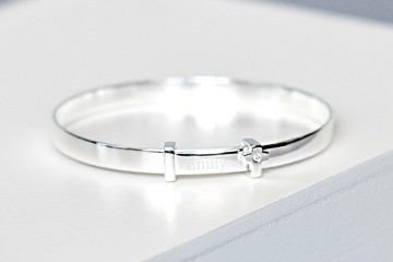 silver_cross_bangle_1000