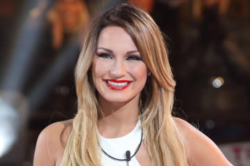 BOREHAMWOOD, ENGLAND - JANUARY 03: Sam Faiers enters the Celebrity Big Brother House at Elstree Studios on January 3, 2014 in Borehamwood, England.  (Photo by Mike Marsland/WireImage)