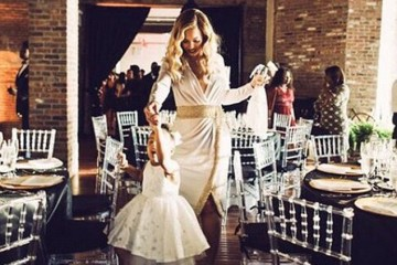 2E7BD40F00000578-3320050-White_wedding_Beyonce_posted_an_adorable_snap_to_Instagram_with_-m-14_1447659845599