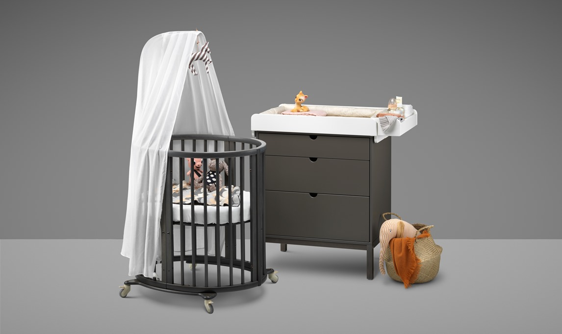 the oval crib stokke sleepi loved by parents parenting news pregnancy advice news. Black Bedroom Furniture Sets. Home Design Ideas
